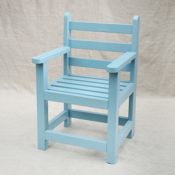 Stoeltje IV: Helder blauw lattenstoeltje voor binnen €79,50