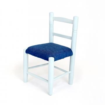 Vintage stoeltje in verschillende kleuren combinaties zijn mogelijk. Prijs vanaf €49,50